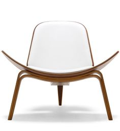 Hans Wegner: Wegner CH07 Shell Chair - Danish Design Store