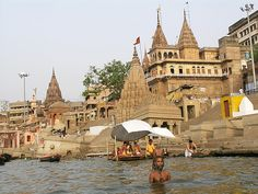 Golden Triangle Tour – Book Varanasi and Allahabad Tour Packages at best price. Visit famous destinations in Varanasi & Allahabad with Trip India travel. Temple India, Hindu Temple, Buddhist Stupa, Bodh Gaya, Chapelle, Famous Places, It Goes On, Varanasi, Place Of Worship