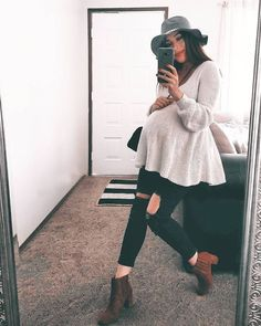 Stylish ideas for maternity clothes to inspire you while youre expecting. More … Stylish maternity fashion ideas that inspire you while you wait. More ooi Winter Maternity Outfits, Stylish Maternity, Maternity Wear, Maternity Fashion, Maternity Clothing, Cute Pregnancy Outfits, Maternity Styles, Maternity Swimwear, Pregnancy Fashion Winter