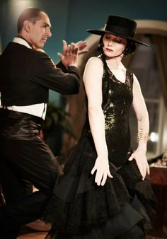 FASHION STYLE: The Fabulously Glamorous World of The Honourable Miss Phryne Fisher, Lady Detective