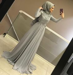 Görüntünün olası içeriği: 1 kişi, ayakkabılar hijab fashion in 2019 hijab d Hijab Prom Dress, Hijab Evening Dress, Muslim Dress, Evening Dresses, Hijab Fashionista, Hijabi Gowns, Muslim Women Fashion, Hijab Chic, Mode Hijab