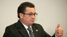 Colunista nacional afirma que Vital caminha para o 'sacrifício' ao sair candidato a governador