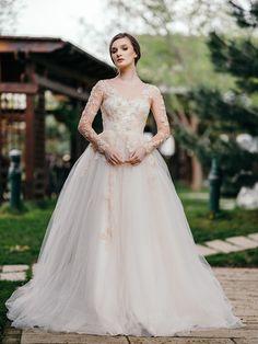 #MarySten #CreatDinPasiune #StilTradițieEleganță #BrideToBe #bridedress #bridelove #weddingdress