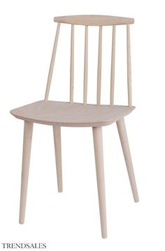 Chair Chair - Wood Beech by Hay - Design furniture and decoration with Made in Design Danish Furniture, Furniture Design, Furniture Chairs, Kitchen Furniture, Chaise Hay, Table And Chairs, Dining Chairs, Dining Area, Dining Room