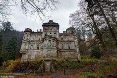 Abandoned castle in Czech Republic urbex decay www.lost-in-time-ue.nl