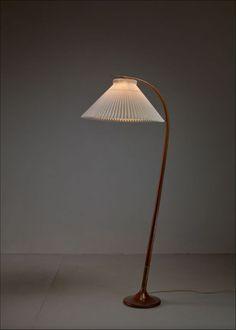 Cool Lighting, Lighting Design, Modern Color Schemes, I Love Lamp, Interior Decorating, Interior Design, Mid Century Modern Design, Interior Lighting, Home Decor Bedroom