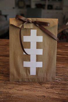 Baby Shower Table Decoration Ideas For Boys Super Bowl 24 Ideas Football Banquet, Football Cheer, Football Tailgate, Football Birthday, Sports Birthday, Sports Party, Tailgating, Flag Football Party, Football Season
