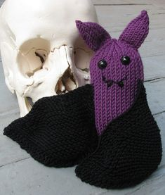 Free Knitting Pattern for Violet the Little Bat - This small bat softie can be used as a toy or decoration. Designed by Lynn Finsterwalde. Available in English and German. Pictured project by Isis
