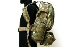 With 3FREEdetachable molle pouches attached on front and two sides.