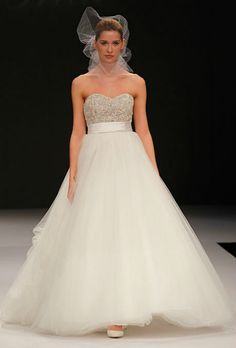 Would like to see this in person!  I think I like it!!    Badgley Mischka