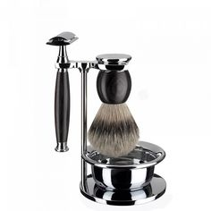 4-parts shaving set, shaving brush with silvertip badger, safety razor, compatible with classic razor blades