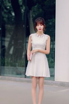 Korean fashion round neck three-dimensional flowers A word dress