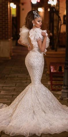 It's not a secret for anyone that vintage lace wedding dresses can make you the most charming and sweet bride ever. African Print Wedding Dress, Wedding Dresses Men Indian, Simple Wedding Gowns, Wedding Dress Men, Stunning Wedding Dresses, Dream Wedding Dresses, Bridal Dresses, Beautiful Dresses, Wedding Outfits