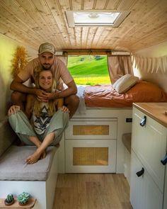 Sprinter Camper, Bus Camper, Camper Life, Bus Interior, Campervan Interior, Campervan Ideas, Caravan Home, Old Mercedes, New Bus