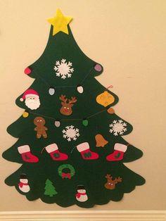 Questo set comprende: 1 grande albero (regolare verde o scuro verde) 20 ornamenti Scegliere 20 ornamenti: mini albero di Natale, campana, fiocco di neve, calza (con una lettera in mezzo), pupazzo di neve, Santa, uomo di Pan di zenzero, contenitore di regalo (4 colori), star, xmas luce, palla ornamento (3 colori), corona, agrifoglio o renna. * * Inserisci un messaggio me tuo 20 ornamenti dopo aver aggiunto al carrello questo * * Al fine di evitare di pagare soldi extra per spese di…