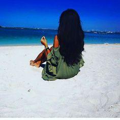 Happy last days of summer! 🌞 Andra Stoica poarta Extensiile BelHer Flip-In din Par 100% Natural Remy! 😍  #belher #flip #extensii #extensiiparnatural #magazinextensiibucuresti #extensiiflipin #flipinhair #remyhair #longhair