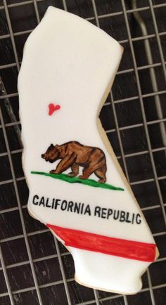 9a1dc9dcadff California flag cookie