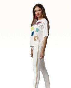Vara nu se hotărăște deloc să ajunge la noi mai repede. Poate o pereche de pantaloni albi o va convinge?  www.shop.urmaboutique.ro… Spring Summer, Sports, Instagram, Tops, Fashion, Hs Sports, Moda, Fashion Styles, Sport