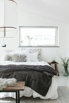 Hygge Home Decor: Comfort for all Seasons - Twin Pickle Let's understand more about what Hygge, what it means and what it's trying to achieve. You will also see how Hygge home decor applies beyond the winter. Interior Design, Hygge Home, Bedroom Interior, Cozy House, Remodel Bedroom, Interior, Home Decor, Home Bedroom, Swedish Interior Design