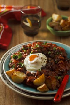 Ingrid's Smoky Mexican breakfast by foodopera: It's got all the right ingredients to fill you up – crunchy potatoes, spicy beans and it's loaded with protein with a poached egg. The smoky spices give the tomatoes a huge kick. It's also a great weekend breakfast as well as an easy Friday night dinner. It's one for the girls and the boys! Under $2.25/serving. #Eggs #Mexican #Budget