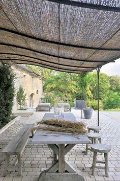XVIII-wieczny dom w Akwitanii leży w uroczej część Francji położonej nad Atlantykiem, ze słynnym sanktuarium w Lourdes.