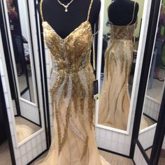 Evening gown Beautiful beaded  Gold Evening gown Bicici & coty Dresses Prom