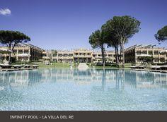 La Villa del Re, 5 star hotel in Sardinia front-sea with luxury services. Costa Rei, Luxury Services, Hotel Guest, Beach Umbrella, Beach Pool, White Stone, Summer Sun, 5 Star Hotels, Beautiful Beaches