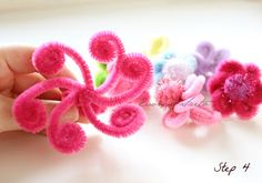 sweet from the heart: Pipe Cleaner Daisy Rings Tutorial & DIY: I [heart] Sweets cell phone cover