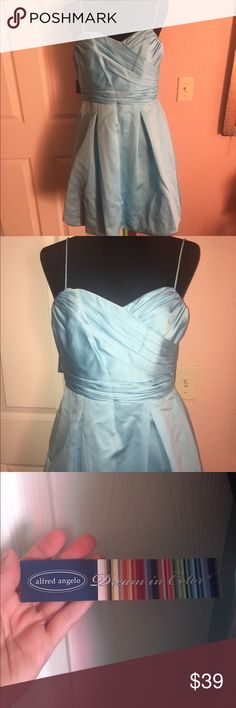 Size 10 medium Alfred Angelo turquoise blue dress Beautiful brand new Alfred Angelo turquoise blue dress, size 10 or a medium, tags attached, overstock from my bridal shop. Alfred Angelo Dresses Prom