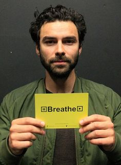 #AidanTurner shows his support for @breatheireland's promotion of positive youth mental health. Nice one, Aidan!