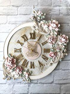 Clock Art, Clock Decor, Clocks, Cool Diy, Easy Diy, Plaster Art, Sculpture Painting, Lesage, Diy Home Decor On A Budget