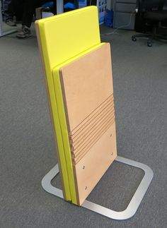 Innovative and Space-Saving Chairs Folding Furniture, Space Saving Furniture, Diy Furniture, Furniture Design, Auditorium Chairs, Auditorium Seating, Timber Feature Wall, Cinema Chairs, Flexible Furniture