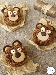 Teddy bear cupcakes Baby Food Recipes, My Recipes, Teddy Bear Cupcakes, Holiday Fun, Holiday Ideas, Minion, Gingerbread Cookies, Muffins, Desserts