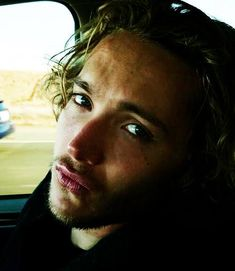 """- The royal """"we are not amused"""" - (x) Toby Regbo Reign, Reign Cast, Reign Mary And Francis, Handsome Prince, Handsome Man, Arte Van Gogh, The Last Kingdom, Michael Sheen, Mary Queen Of Scots"""