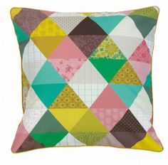 Lovely #triangle cushion 40x40 by Mini #Labo from www.kidsdinge.com  https://www.facebook.com/pages/kidsdingecom-Origineel-speelgoed-hebbedingen-voor-hippe-kids/160122710686387?sk=wall #kidsroom