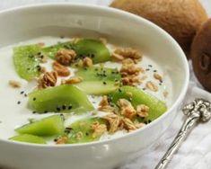 Bol en solo de yaourt, kiwi et granola : http://www.fourchette-et-bikini.fr/recettes/recettes-minceur/bol-croqkilos-en-solo-de-yaourt-kiwi-et-granola.html