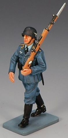World War II German Luftwaffe LW010 Marching Airman with Rifle - Made by King and Country Military Miniatures and Models. Factory made, hand assembled, painted and boxed in a padded decorative box. Excellent gift for the enthusiast.