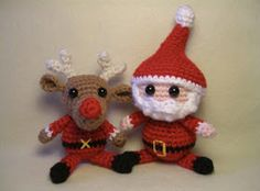 2000 Free Amigurumi Patterns: Free amigurumi Santa Claus and reindeer pattern