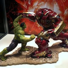 Toy Fair Preview – Avengers: Age of Ultron Hulkbuster Iron Man vs. Hulk ARTFX