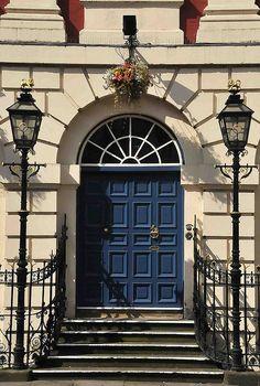 The Blue Door   Flickr: Intercambio de fotos