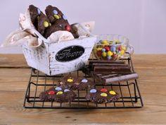 Cookies de chocolate y avellanas con confites