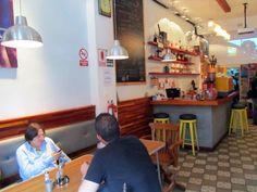 Comer es un placer pero lo es más si lo haces en un ambiente lleno de creatividad y libertad: La Cafetera en Miraflores (#Lima, #Perú). http://www.placeok.com/la-cafetera-restaurante-en-miraflores/  Eating is a pleasure but if you eat in an creative space is much better: La Cafetera in Miraflores (Lima, Peru). http://www.placeok.com/la-cafetera-restaurante-en-miraflores/