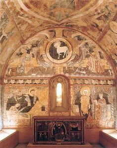Dome ceiling with murals all over it. Romanesque Architecture, Sacred Architecture, Fresco, Pre Romanesque, Carolingian, Beautiful Nature Pictures, Early Middle Ages, Tempera, European History