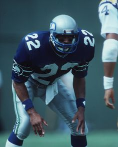 Dave Brown, cornerback (1976–1986), inducted Seattle Seahawks Ring of Honor 1992