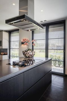 Excellent modern kitchen room are readily available on our website. Luxury Kitchens, Cool Kitchens, Modern Kitchens, Kitchen Modern, Modern Farmhouse, Best Kitchen Designs, Kitchen Ideas, Kitchen Decor, Decorating Kitchen