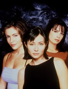 Still of Alyssa Milano, Holly Marie Combs and Shannen Doherty in Charmed