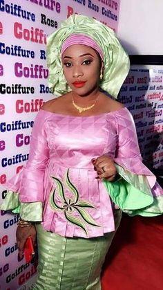 50 tenues en pagne pour hommes,femmes et enfants Latest African Fashion Dresses, African Dresses For Women, African Attire, African Women, Skirt Fashion, Fashion Outfits, Women's Fashion, Ropa Interior Babydoll, Afro