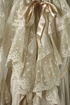 Dressing gown Date: late 1890s Culture: American or European Medium: cotton, silk