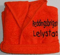 Badjasje oranje  www.borduurkoning.nl/shop