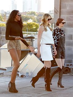 Naomi Campbell, Anne V. and Lydia Hearst prepped their modeltestants for an NYC rooftop photo shoot on the April 16 episode of The Face; the reality competition airs Wednesdays on Oxygen at 8 p.m. EST.